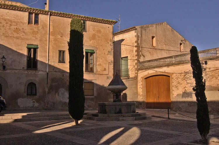 castello-de-empuries-a-square-A.jpg