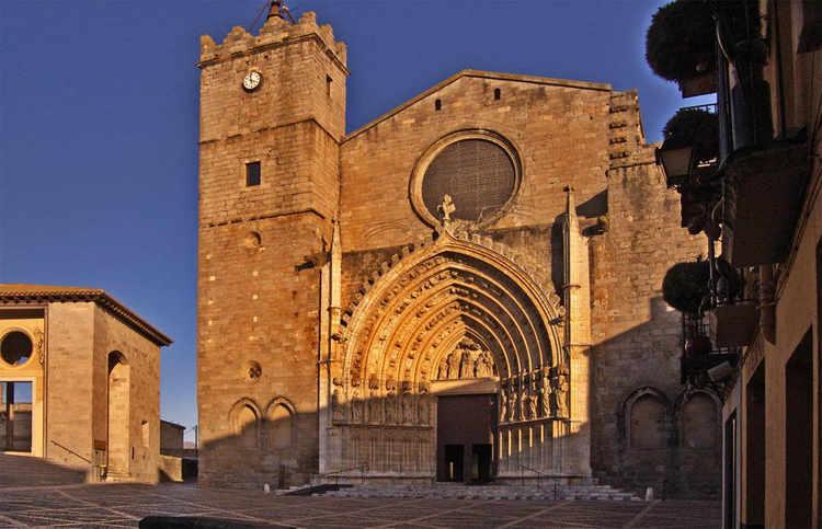 castello-de-empuries-church-A.jpg