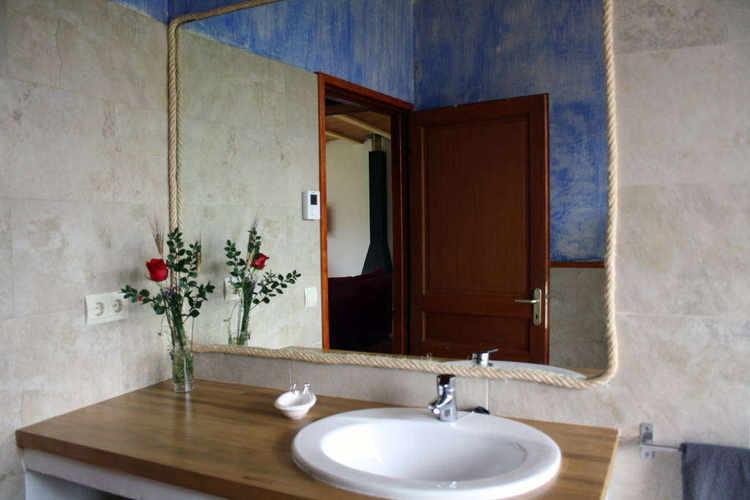 lavabo-mont-mirror.jpg