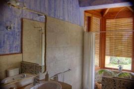 Bathroom-showing-fittings-mont.jpg