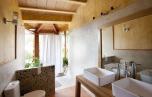 Bathroom Canigo house