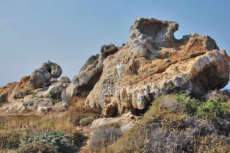 más rocas extrañas