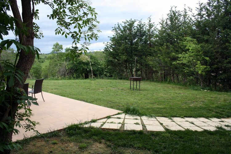 Barbacoa al jardí