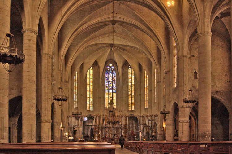 Castello d'Empúries dins de l'església