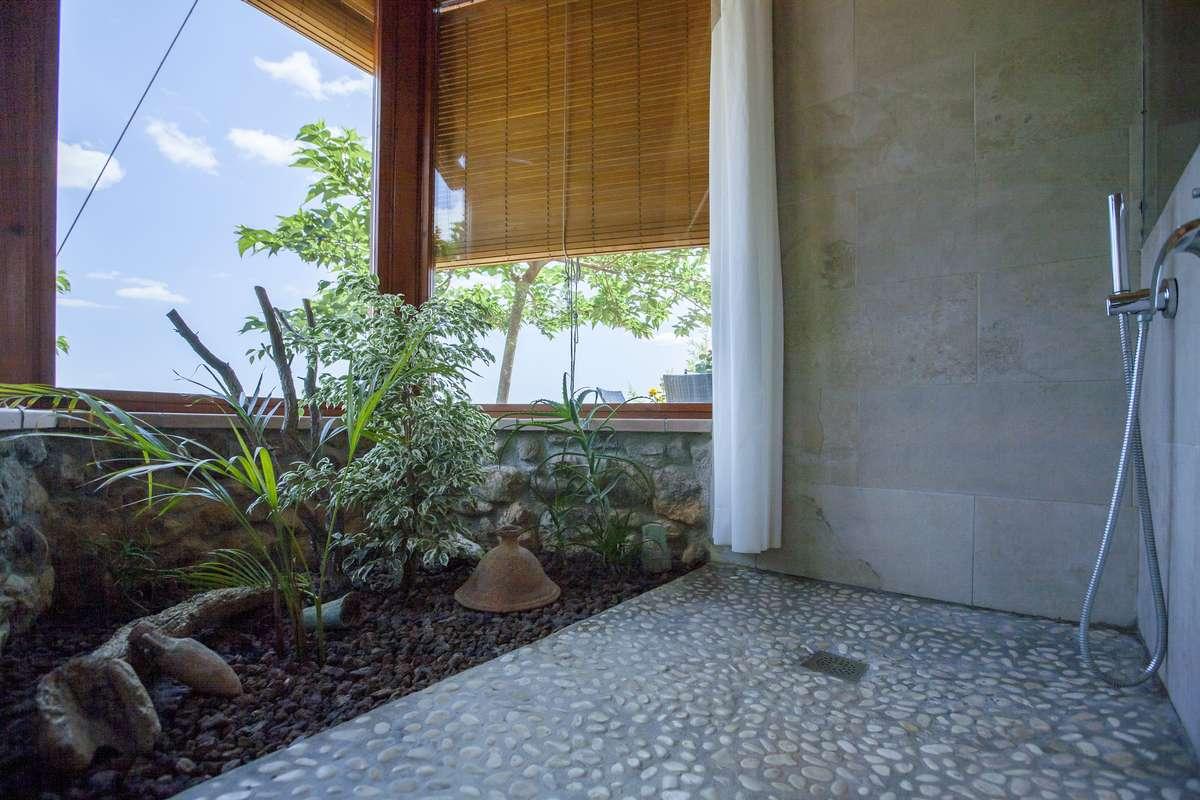El jardí al bany