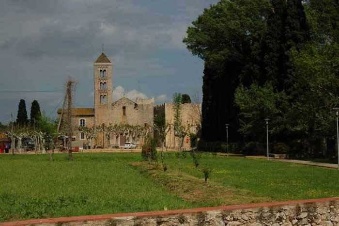 El monestir a la primavera