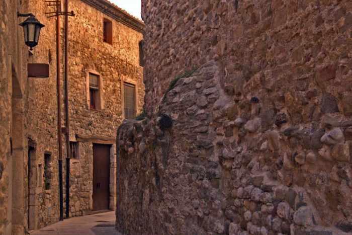Estret carrer medieval