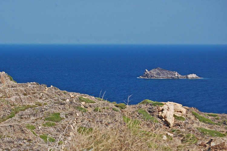 Illa prop de la costa