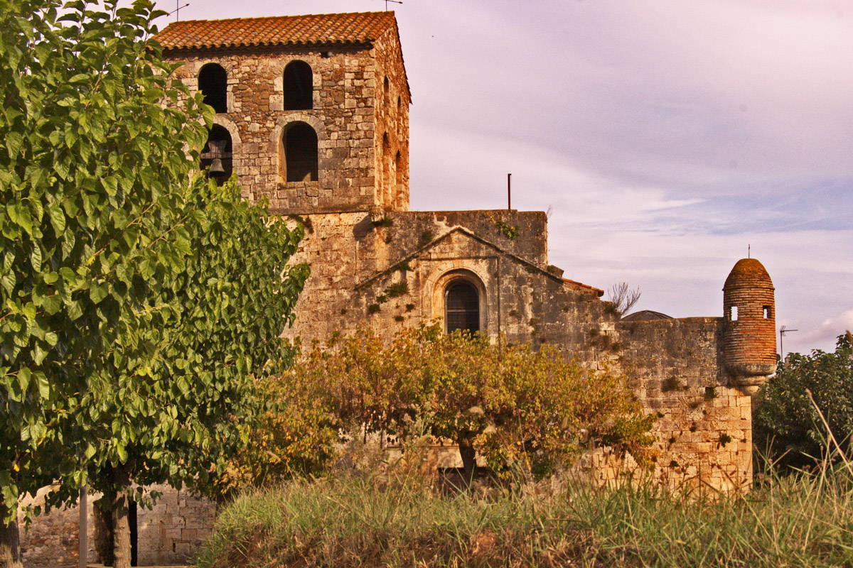Un costat de l'església