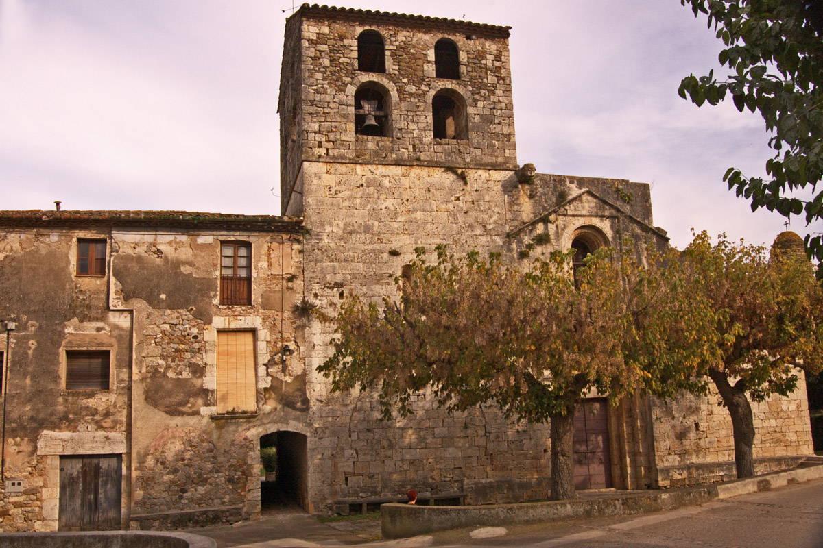 Davant de l'església