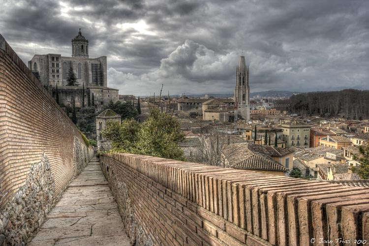 Girona des de les muralles de la ciutat