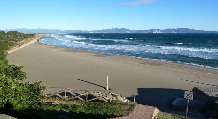 La platja Sant Martí d'Empuries
