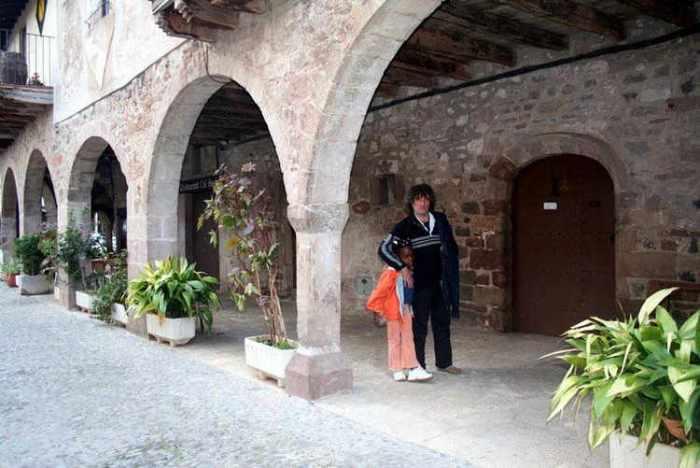 Santa Pau - dins de la   poble